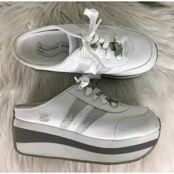 Skechers vintage platform slip on shoes